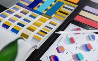 Farbmuster der Firma Planauftritt
